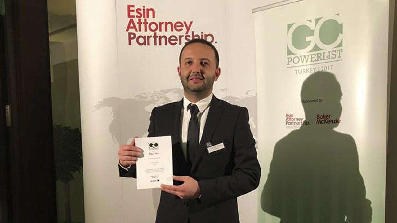 Çağ Hukuk mezunumuz Tuna Yasin DOYUK Türkiye'nin En etkili 100 avukatından biri seçildi
